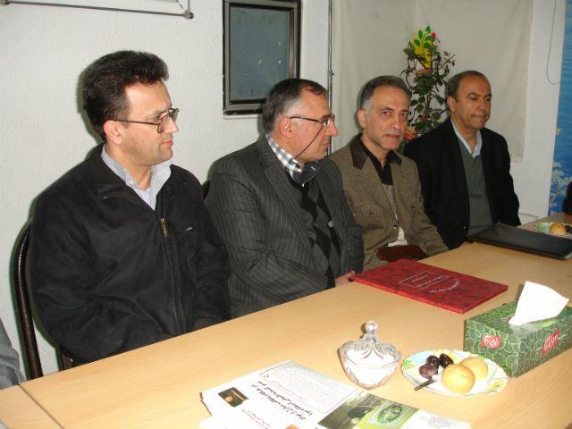هیئت مدیره محترم اتحادیه صنف زرگران در جلسه ی اهدای کمک اعضای صنف به پروژه شیمی درمانی